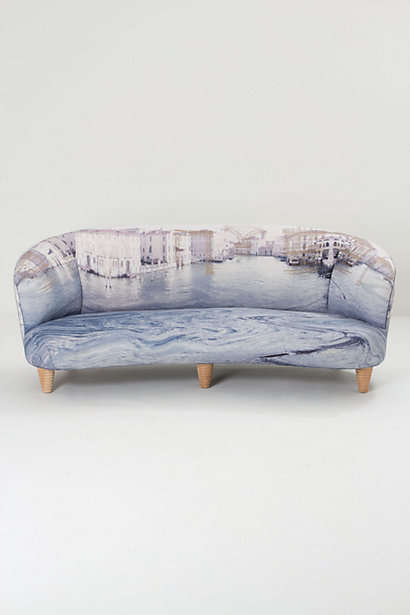 Sleek Cityscape Seaters