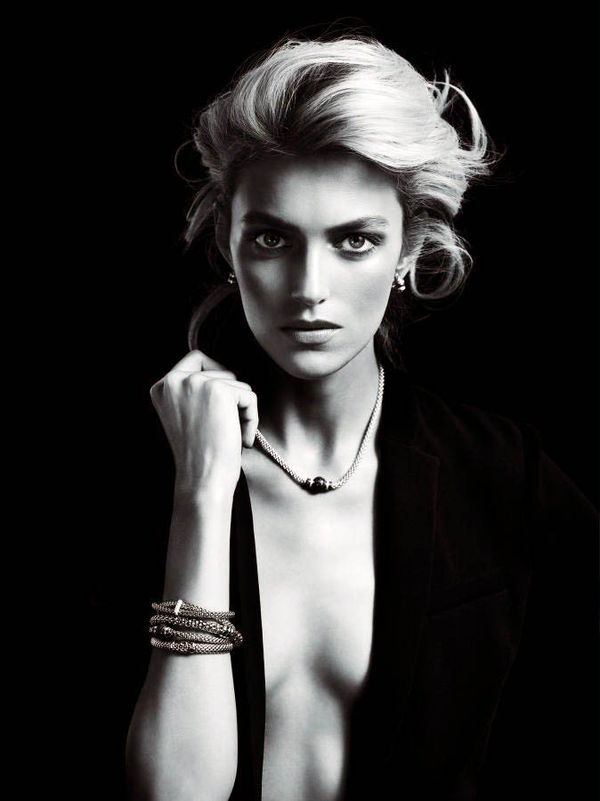 Elegantly Minimalist Jewelry Ads