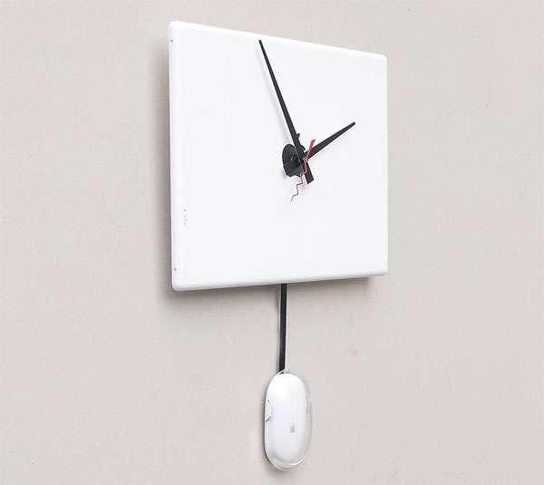 Retro MacBook Time-Tellers
