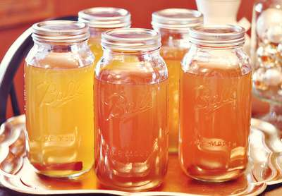 How to make the best apple pie moonshine