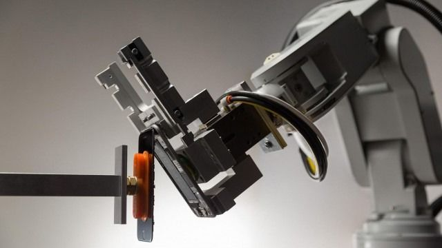 Smartphone-Recycling Robots