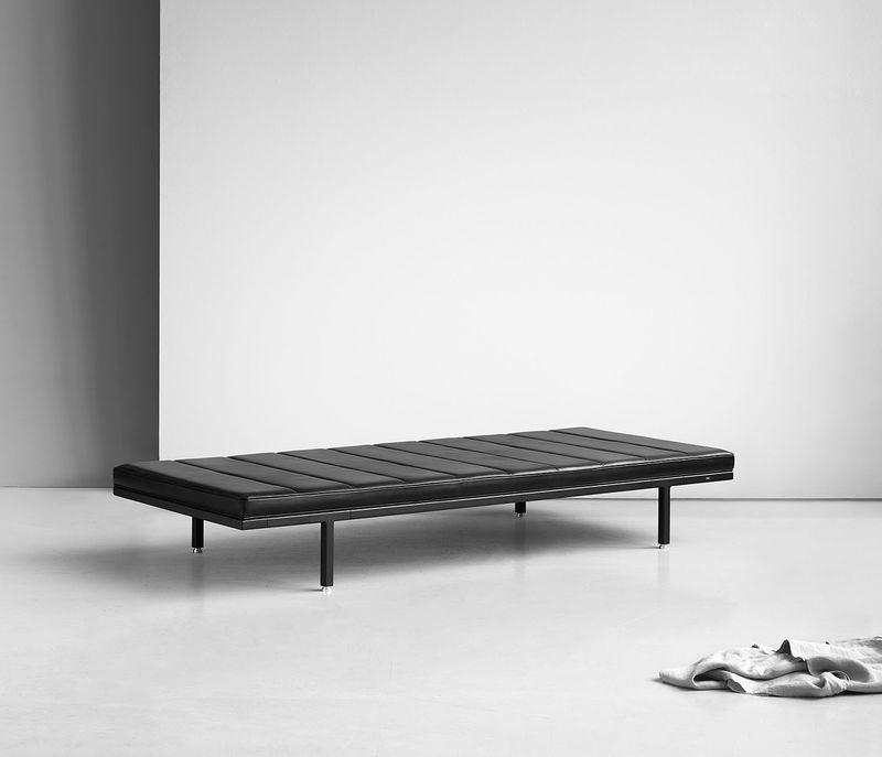 Minimalist Daybed Designs