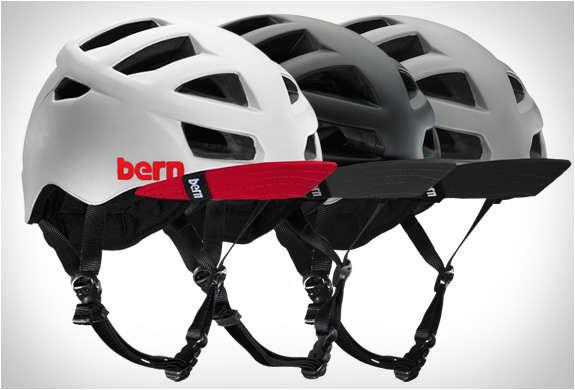 Aerodynamically Vented Helmets
