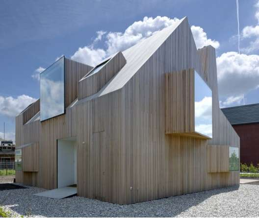 Sculptural Windowed Homes