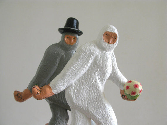 Yeti-Inspired Bridal Decor