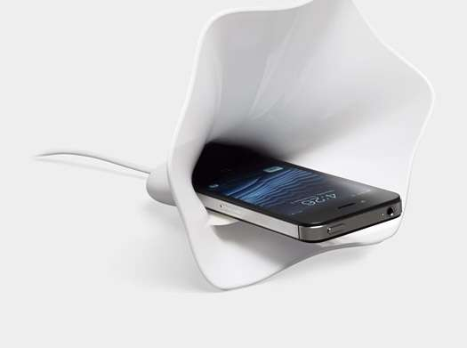 Blooming Sound Phone Dock