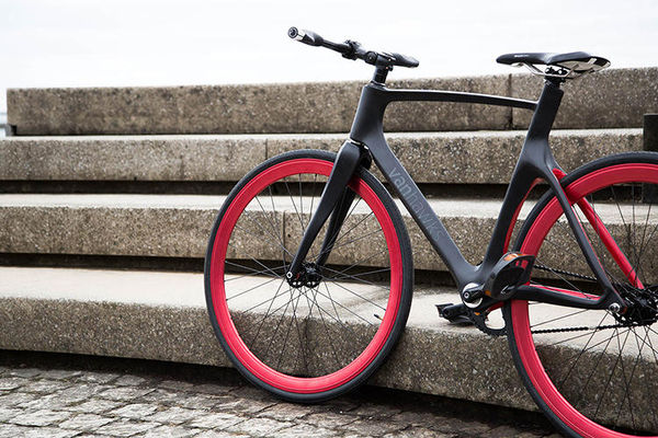 Connected Carbon Fiber Bicycles