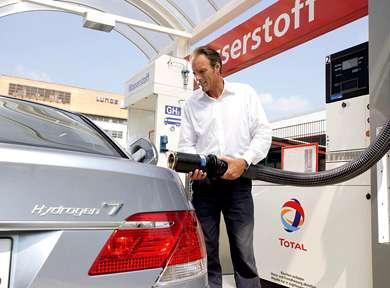BMW Hydrogen Combustion 7-Series