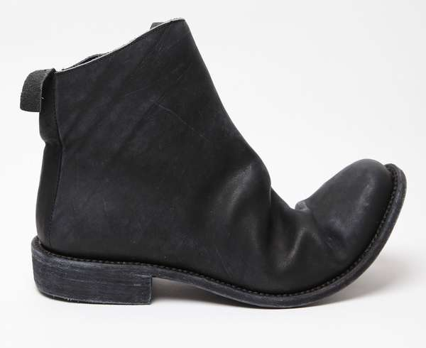 Extremely Bendy Boots : Boris Bidjan Saberi Black Ankle Boots For Men