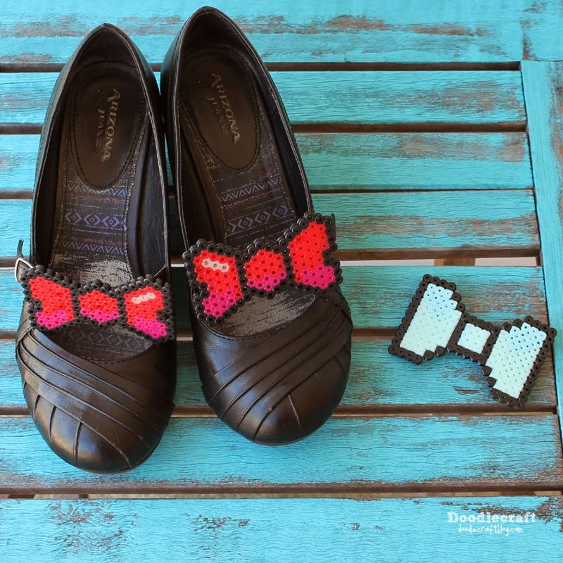 Pixelated Bow Accessories