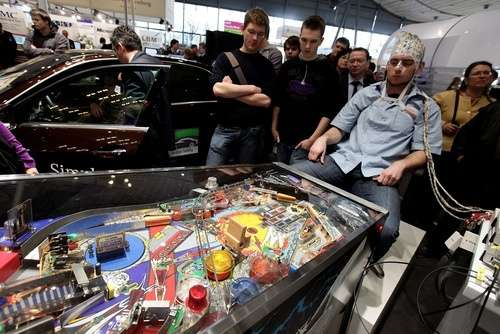 brain-controlled pinball machine