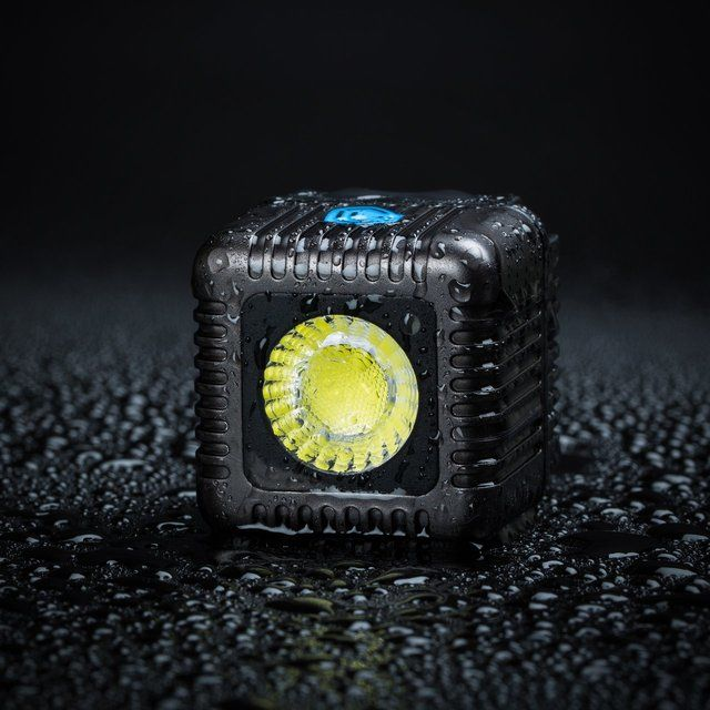Cubed Underwater Camera Flashes