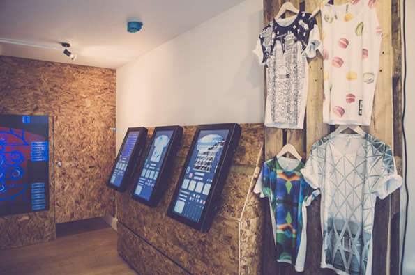 High-Tech Pop-Up Shops