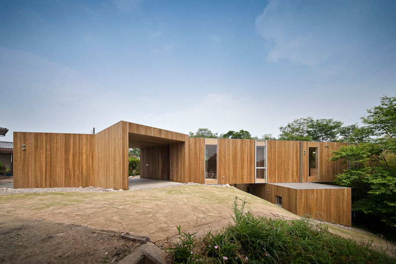 Cantilevered Wooden Houses