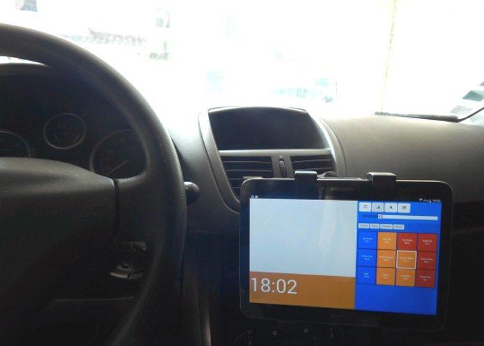 DIY In-Car Touchscreen PCs