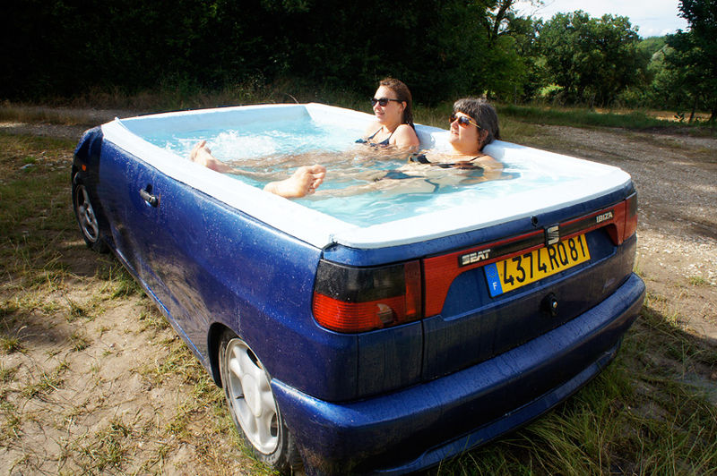 Upcycled Jacuzzi Convertibles : car hot tub