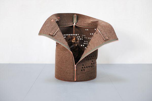 Stylish Cat-Toting Bags