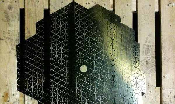 Geometrically Curved Illuminators