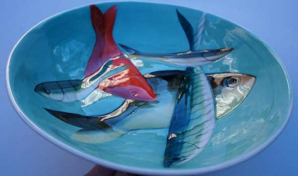 Lustrously Painted Pottery
