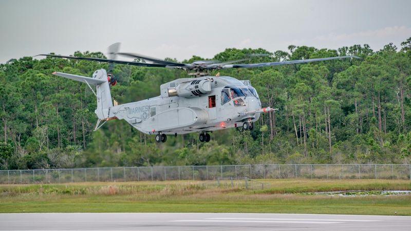 Humvee-Hauling Helicopters