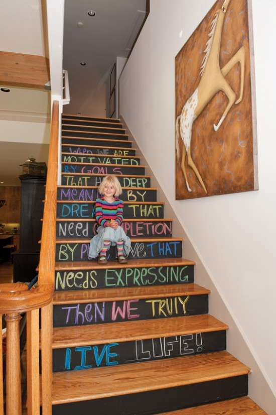 Diy drawable climbings chalkboard stairs for Idee deco halloween