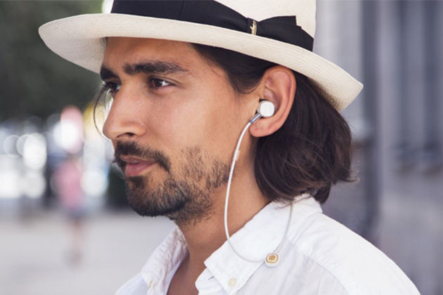Wirelessly Charging Earbuds