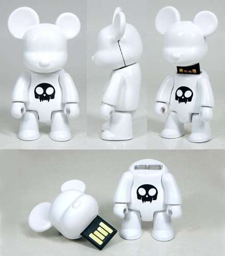 Choicee x Toy2R Qee Flash Drive
