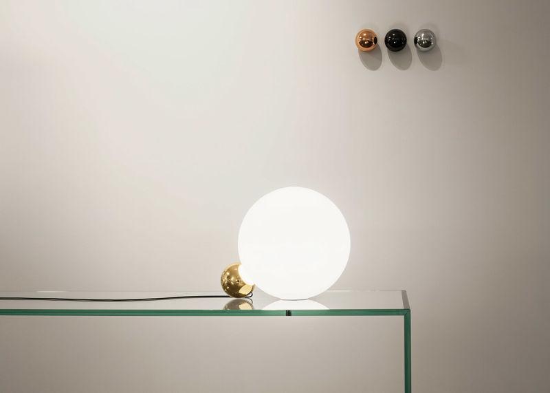 Contrasting Circular Lamps