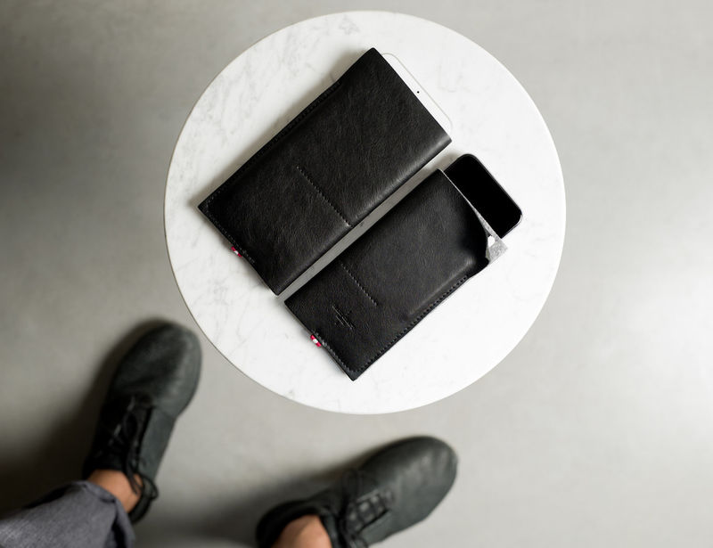 Smartphone-Cleaning Cases