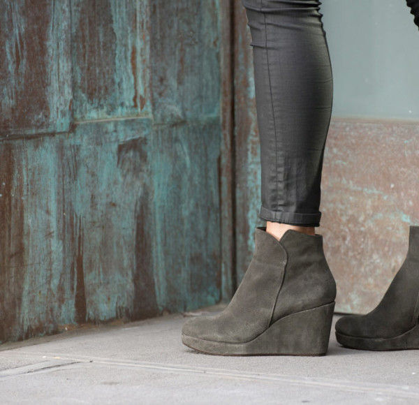 30s-Inspired Footwear
