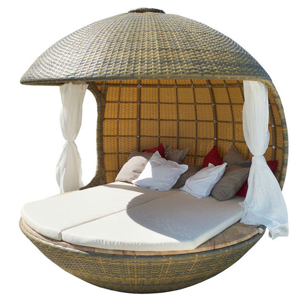 Spherical Outdoor Loungers