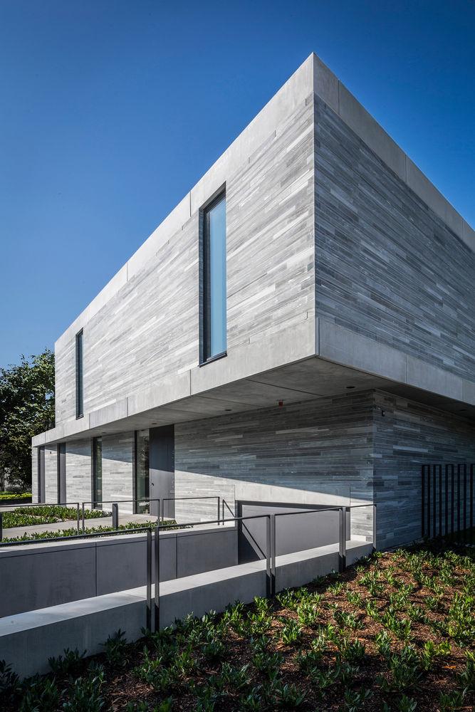 Cantilevered Geometric Residences