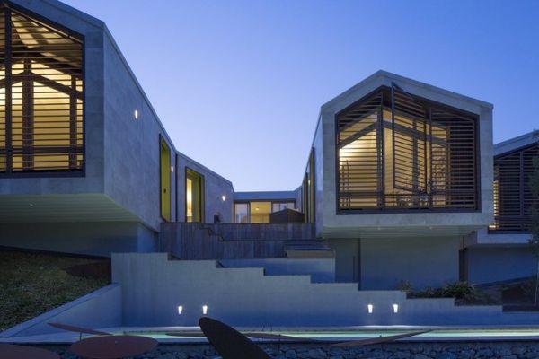 Undulating concrete abodes concrete houses for Undulating architecture