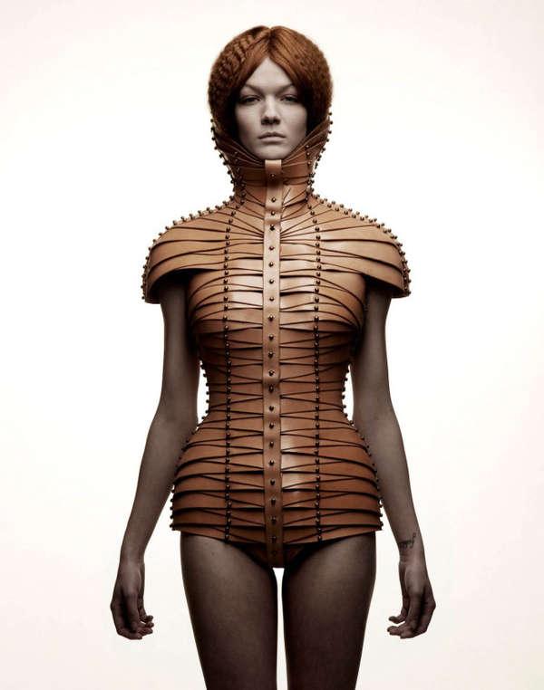Chic Restrictive Fashion