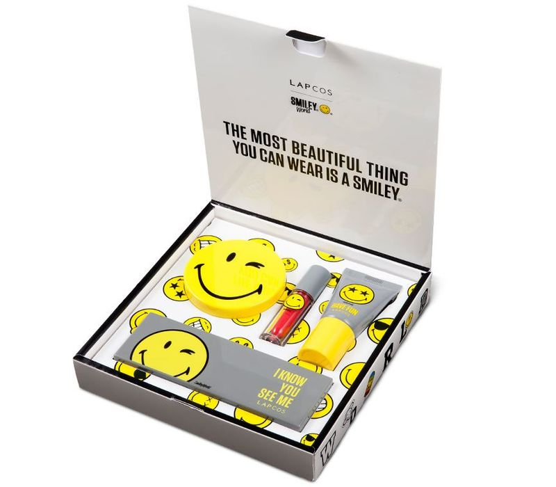 Smiling Cosmetic Kits