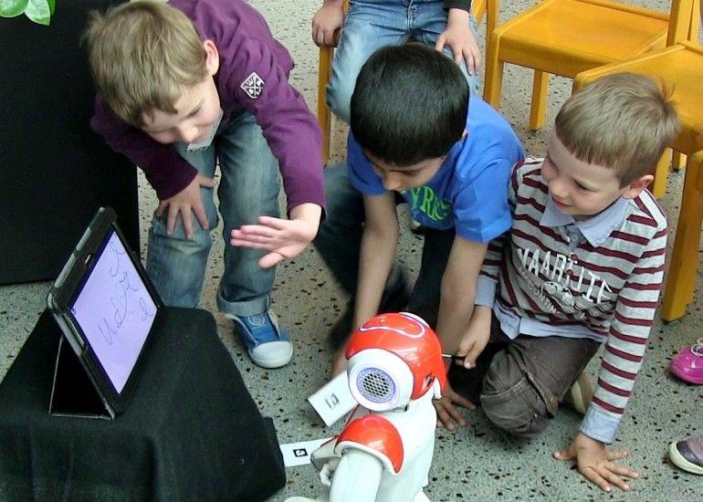Writing-Teaching Robots