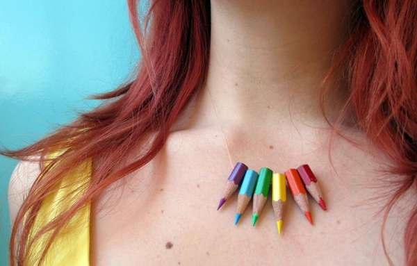 DIY Mini Crayon Necklaces