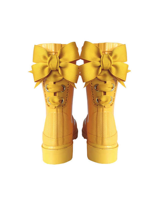 Earth-Saving Galoshes : cute kids rain boots