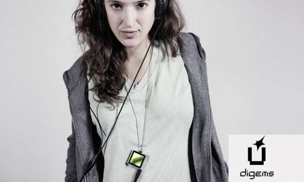 Ipod-Infused Jewelry Pieces