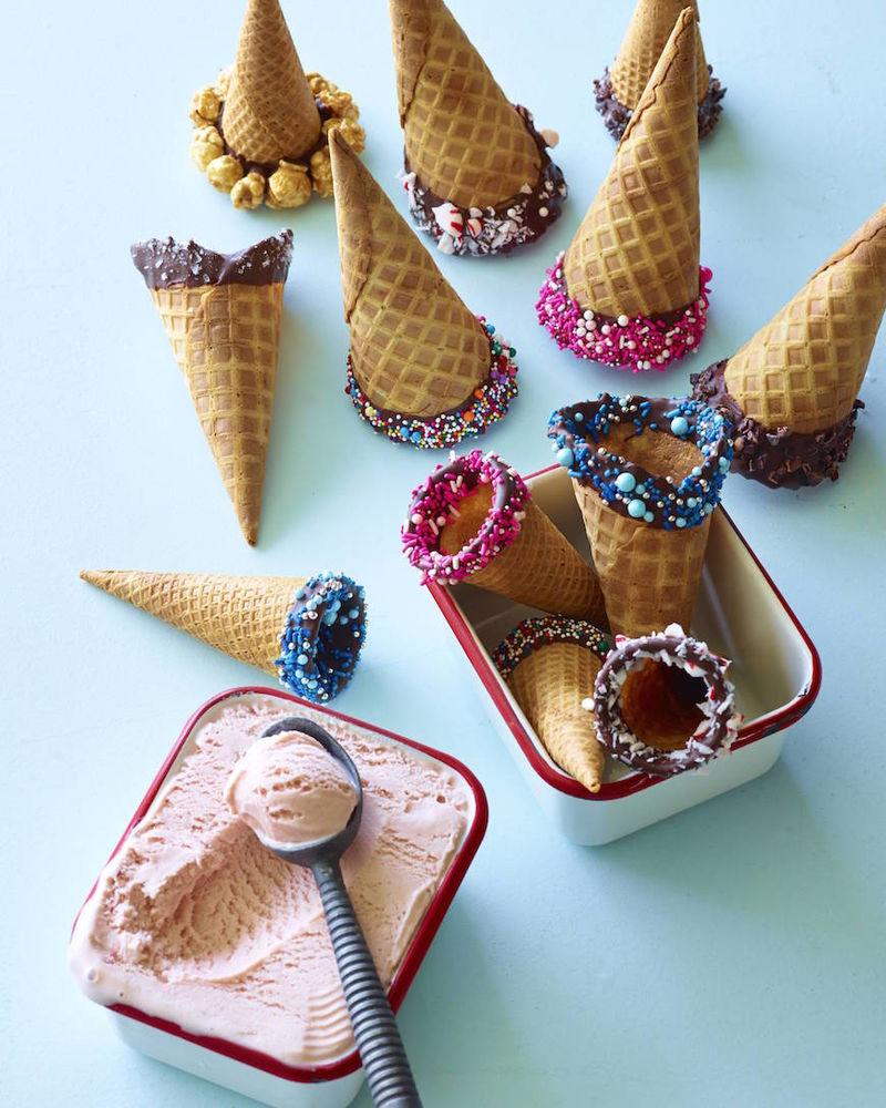DIY Chocolate-Dipped Cones : dipped ice cream cones
