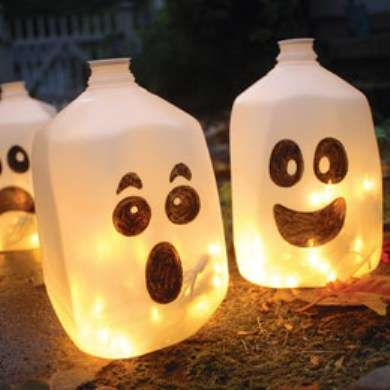 DIY Ghostly Jug Decorations