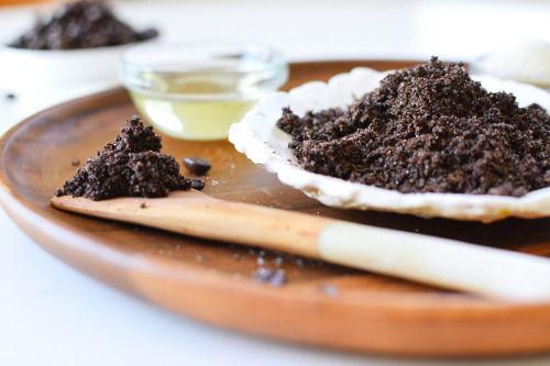 Homemade Chocolate Coffee Exfoliants : DIY face scrub