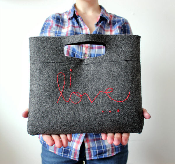 Simple DIY Felt Purses
