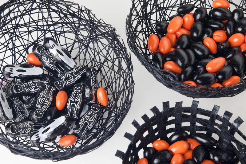 DIY Spiderweb Bowls