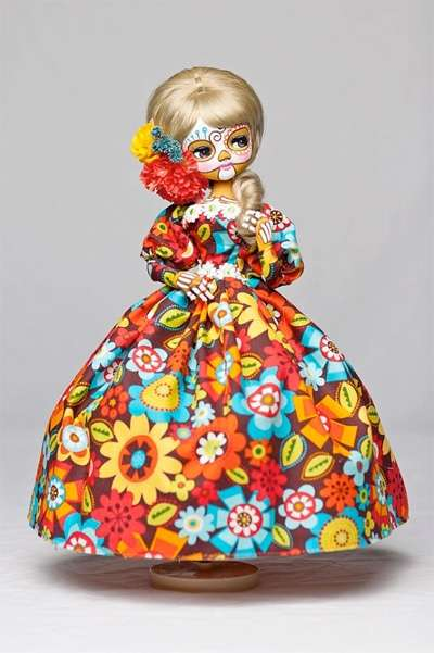 Decorative Tattooed Dolls