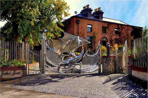 Dragon Gate Design
