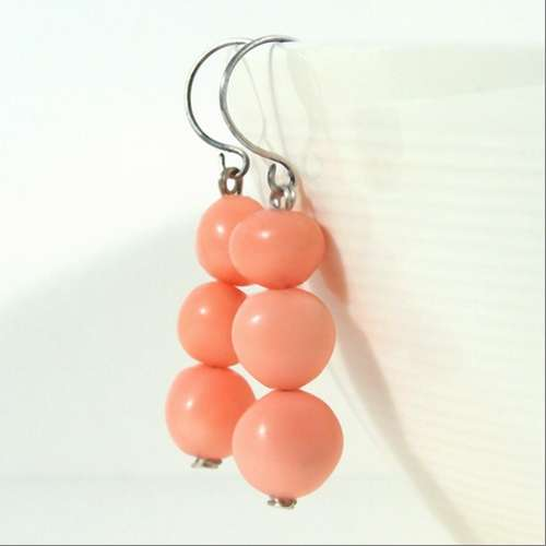 drooelings beeswax earrings