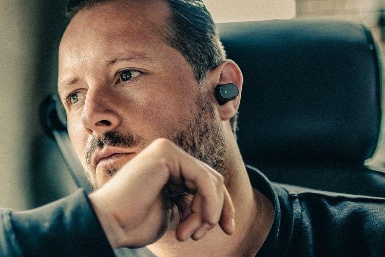Gesture-Control Ear Pieces