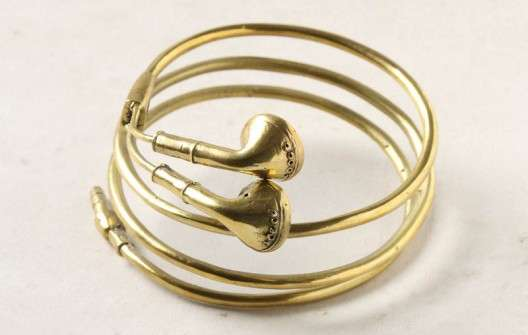 Golden Headphone Jewelry