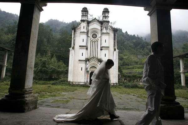Earthquake Weddings